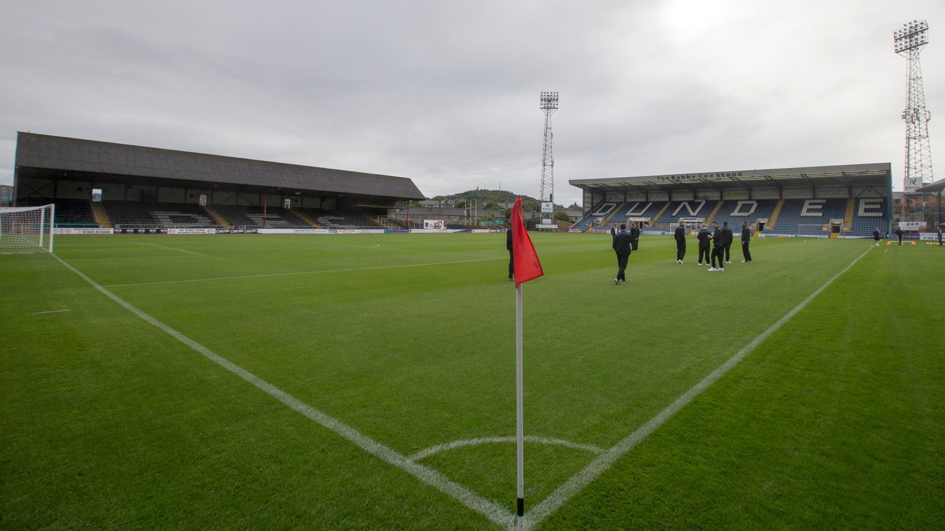 Dundee ask players to take 30 per cent wage cut