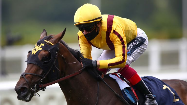 Campanelle ridden by Frankie Dettori wins the Queen Mary Stakes