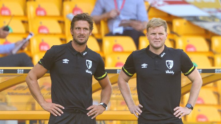 Howe (right) believes a lack of goals has affected Bournemouth's confidence this season