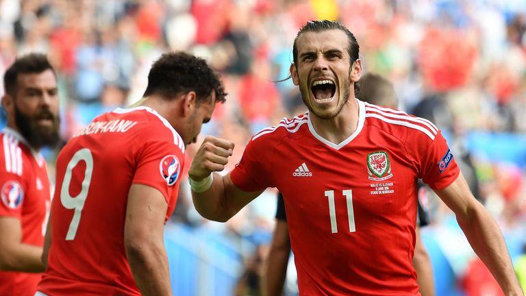 Gareth Bale & Hal Robson-Kanu