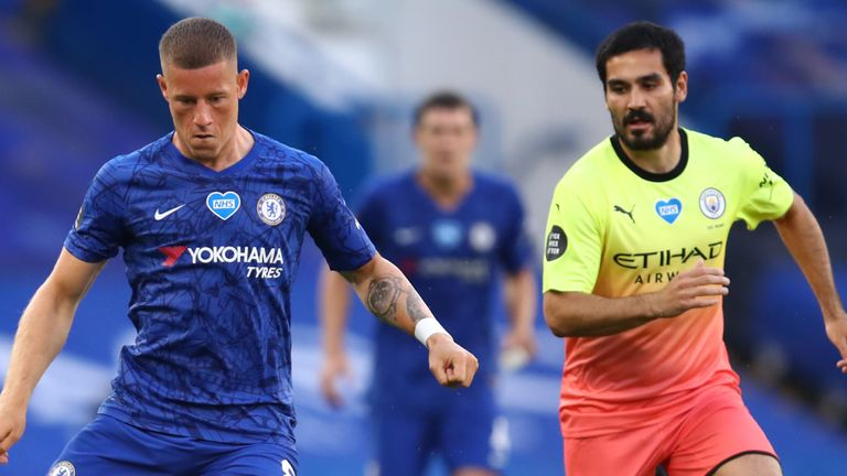 Ilkay Gundogan of Manchester City closes down Ross Barkley of Chelsea