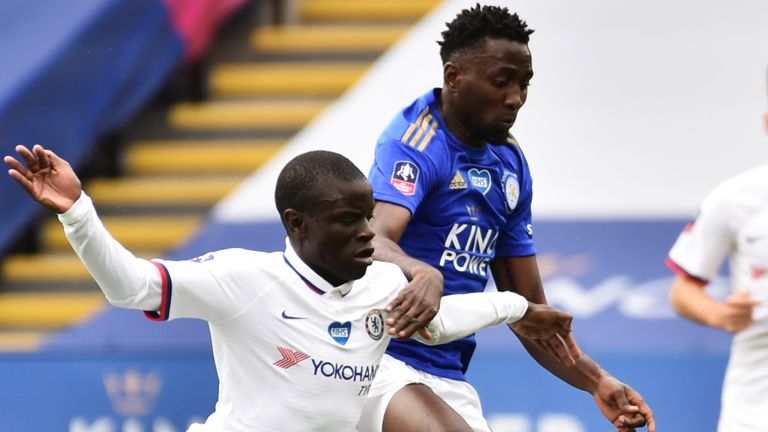Wilfred Ndidi challenges former Leicester midfielder N'Golo Kante
