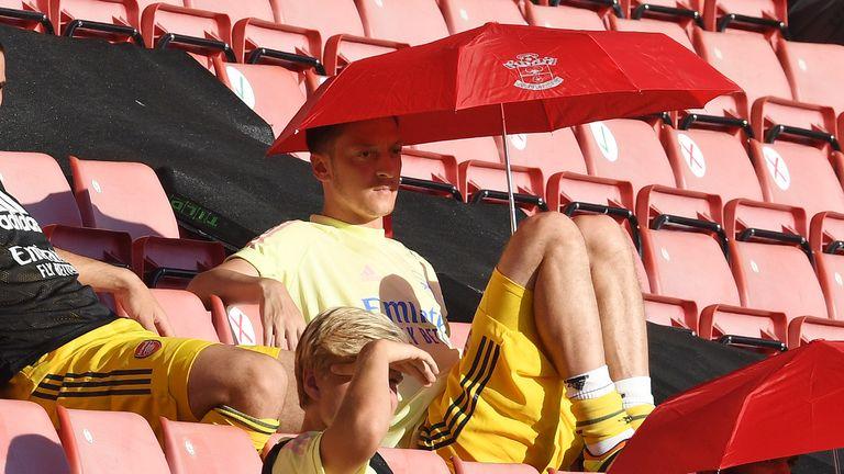 Mesut Ozil Southampton Arsenal