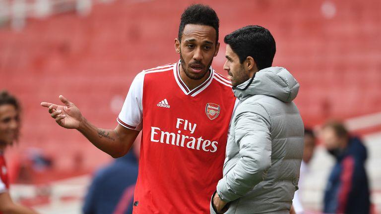 Aubameyang and Arteta talk tactics during Arsenal win against Charlton