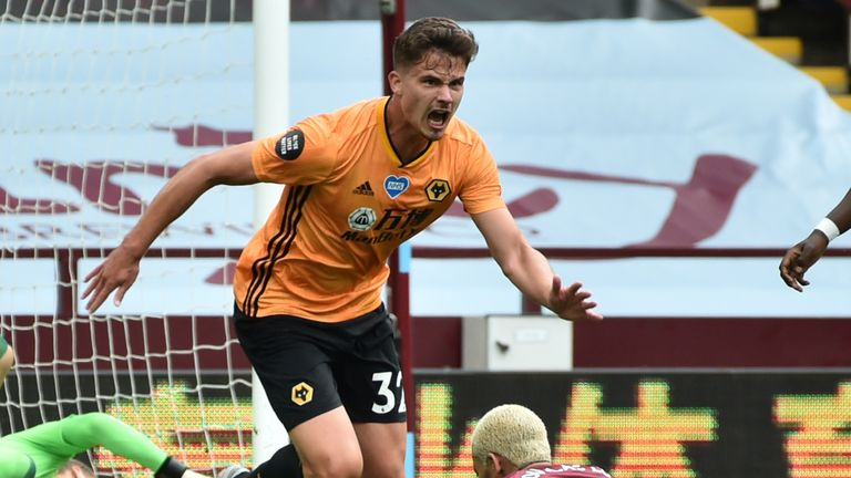 Leander Dendoncker celebra poner a Wolves adelante