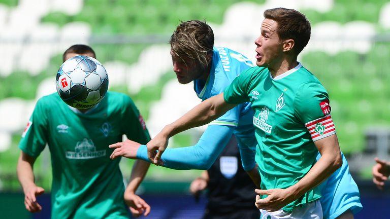 Wout Weghorst (C) scored Wolfsburg's winner against Werder Bremen
