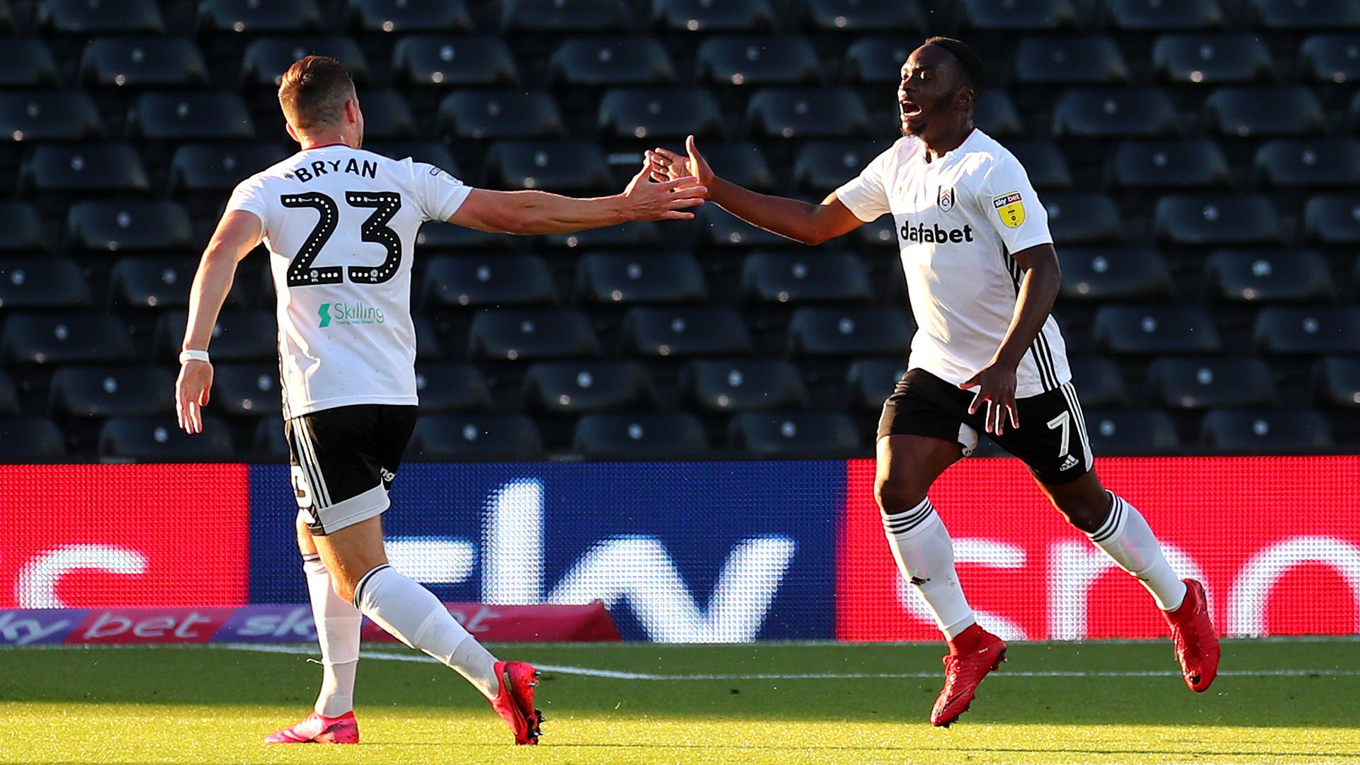 Fulham win semi to set up Brentford clash at Wembley
