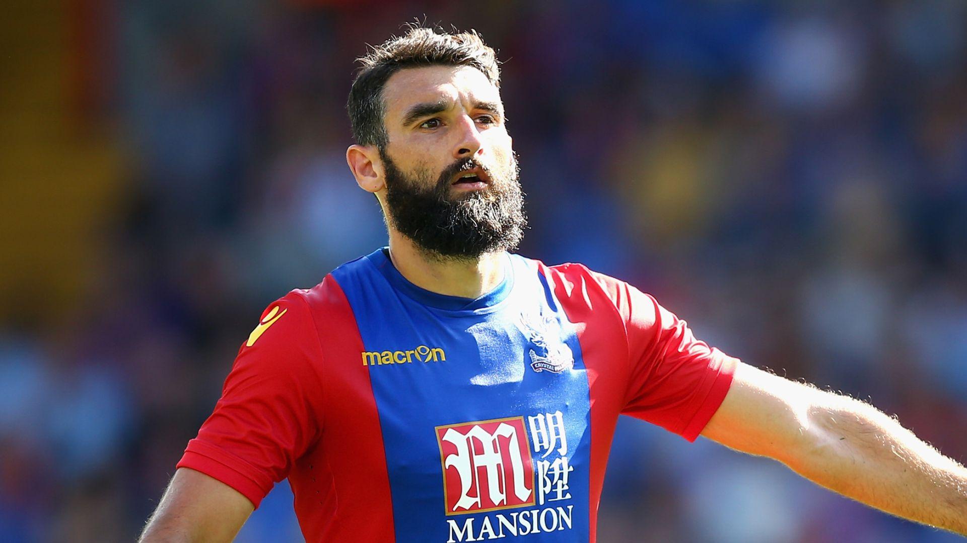 Former Palace captain Jedinak retires