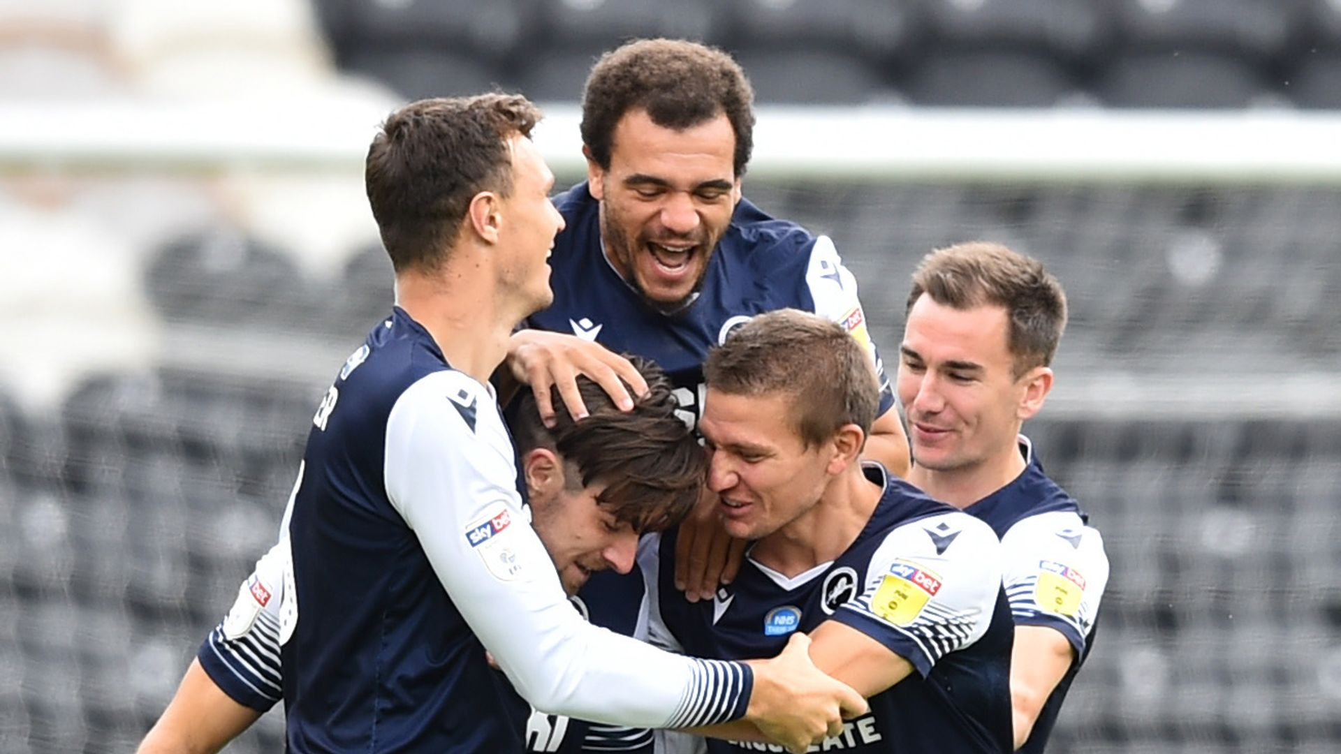 Millwall keep play-off hopes alive