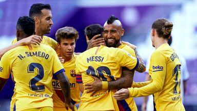 Arturo Vidal celebrates scoring for Barcelona vs Valladolid