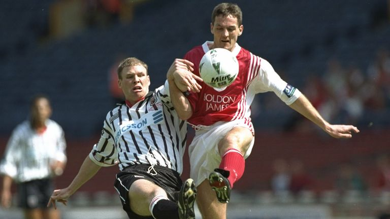 A goal from Shaun Smith condemned Brentford to a 1-0 defeat in the 1997 Second Division play-off final