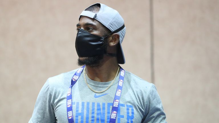 Chris Paul wears a facemask during the Thunder's first practice inside the Orlando bubble