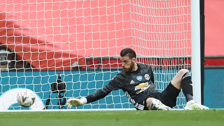De Gea also allowed Olivier Giroud's opening goal to squirm away from him