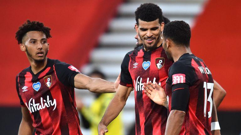 Dominic Solanke merayakan gol melawan Leicester untuk Bournemouth