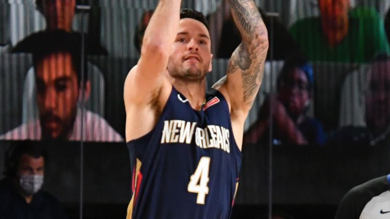 JJ Redick shoots a three-pointer during the Pelicans' scrimmage win over the Bucks