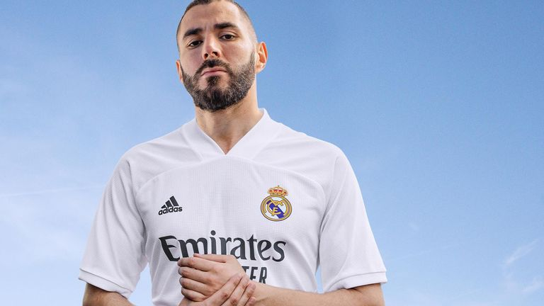 Karim Benzema shows off Real's minimalist new home kit
