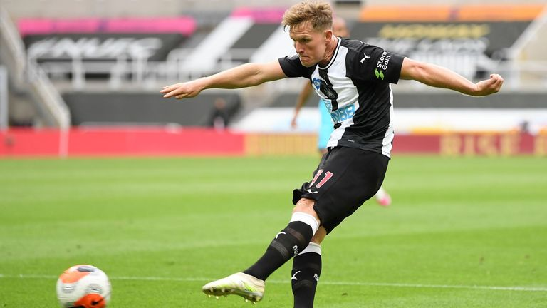 Matt Ritchie fires in Newcastle's equaliser