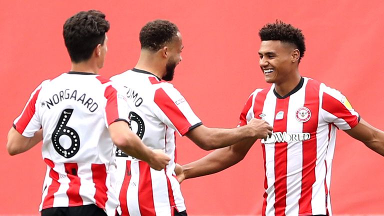 Brentford's Ollie Watkins (second right) celebrates scoring his side's first goal of the game against Preston