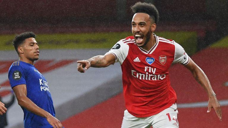 Pierre-Emerick Aubameyang celebrates scoring for Arsenal vs Leicester