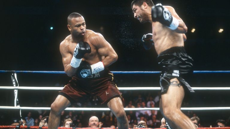 Jones Jr beat John Ruiz to become heavyweight champion in 2003