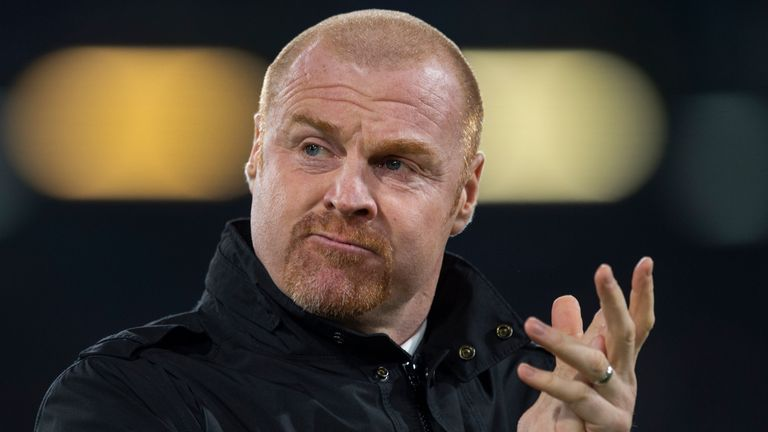 BURNLEY, ENGLAND - DECEMBER 03: Burnley manager Sean Dyche applauds the fans before the Premier League match between Burnley FC and Manchester City at Turf Moor on December 3, 2019 in Burnley, United Kingdom. (Photo by Visionhaus) *** Local Caption *** Sean Dyche
