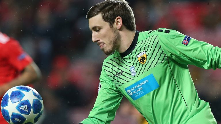 Vasilis Barkas of AEK Athens in action during the UEFA Champions League Group E match between SL Benfica and AEK Athens