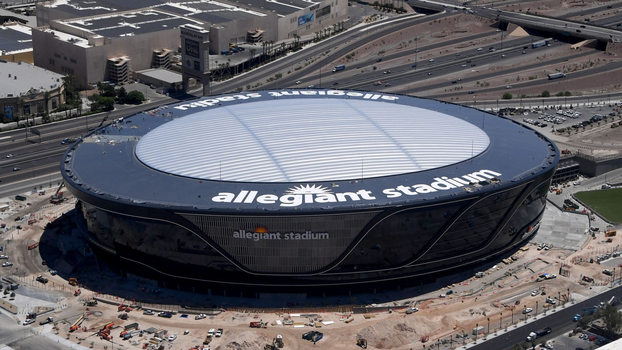 Las Vegas Raiders To Play Without Fans In New 2bn Stadium Due To Covid 19 Nfl News Sky Sports
