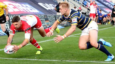 Tommy Makinson scores St Helens' third try against Leeds Rhinos