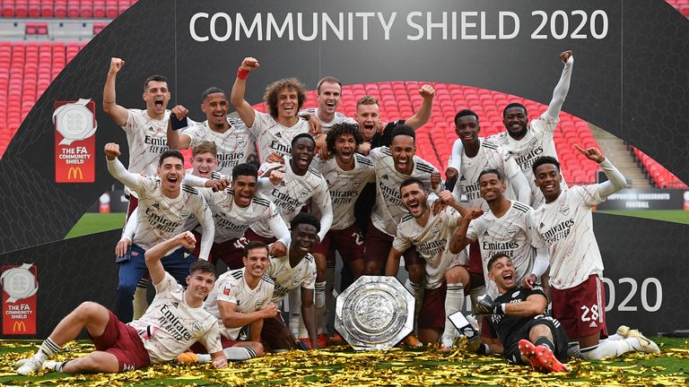 Arsenal celebrate winning the 2020 Community Shield against Liverpool