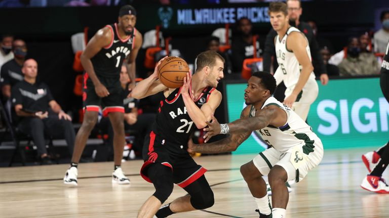 Highlights of the seeding match between the Toronto Raptors and the Milwaukee Bucks from Orlando.