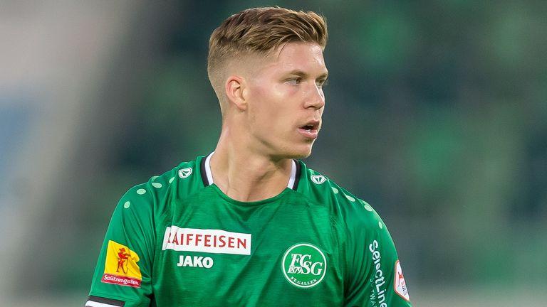 Rangers have signed striker Cedric Itten from St Gallen