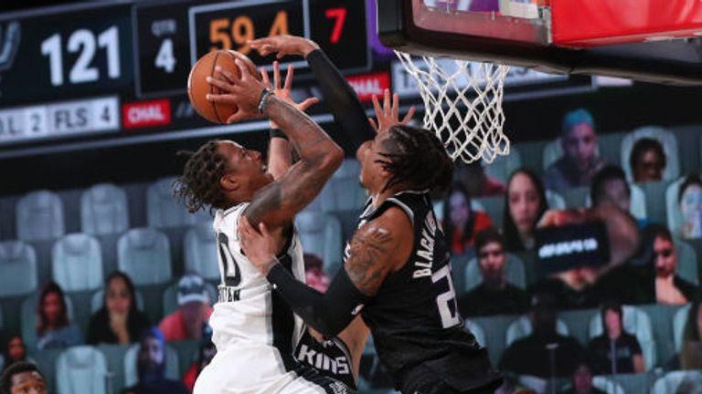 DeMar DeRozan of the San Antonio Spurs shoots the ball against the Sacramento Kings