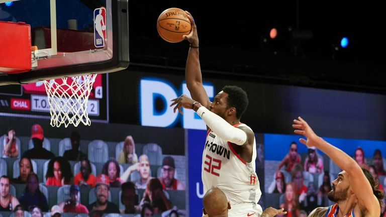 Jeff Green dunks for the Houston Rockets