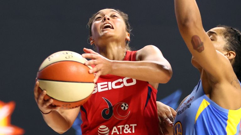 Leilani Mitchell rises to the basket against the Chicago Sky