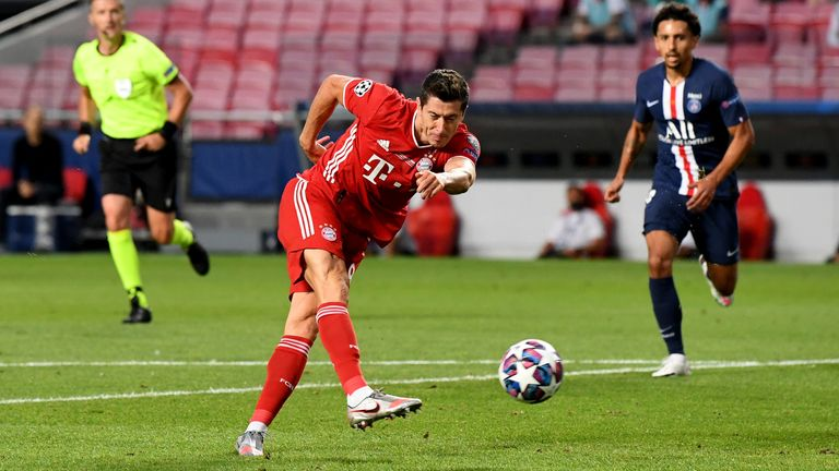 Robert Lewandowski hit the post in the first half