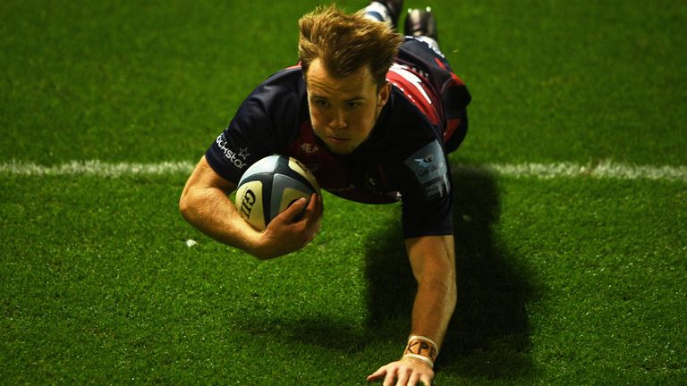Ioan Lloyd looked to have won the game for the Bears with his late try