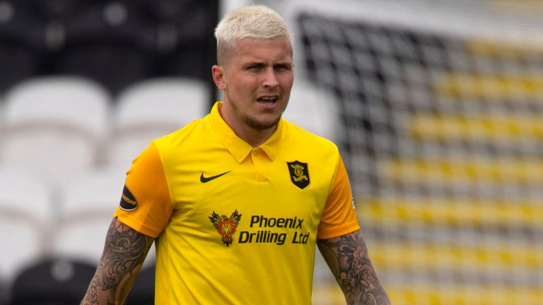Lyndon Dykes in action for Livingston during the Scottish Premiership match between St Mirren and Livingston at the Simple Digital Arena on August 01, 2020, in Paisley, Scotland.
