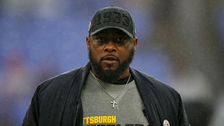 Head coach Mike Tomlin of the Pittsburgh Steelers looks on before the game against the Baltimore Ravens