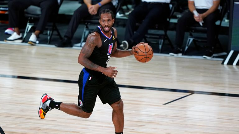 Despite an impressive 35-point performance from Kawhi Leonard, the Los Angeles Clippers fell to defeat against the Dallas Mavericks in Game 2 of their first round playoff series.