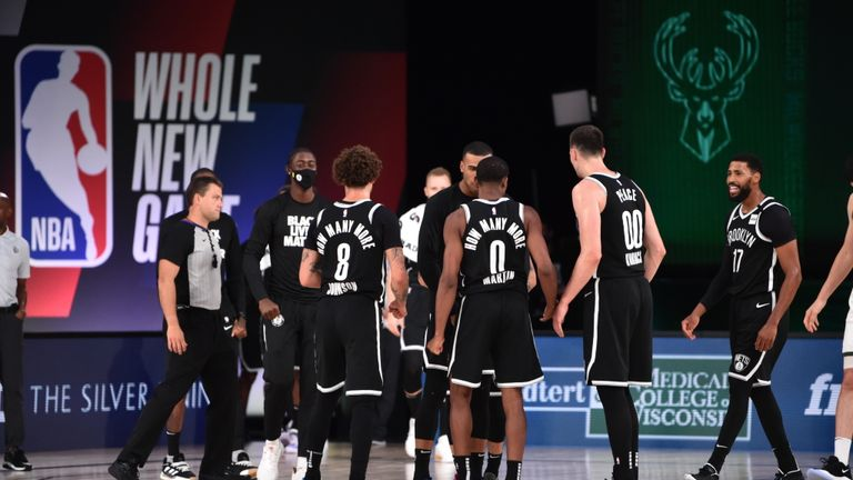 Highlights of the seeding match between the New Jersey Nets and the Milwaukee Bucks from Orlando.