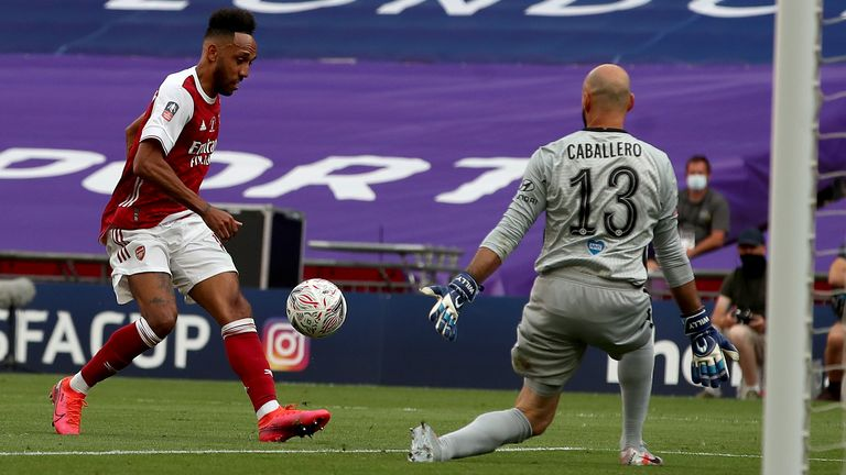 Pierre-Emerick Aubameyang puts Arsenal 2-1 up against Chelsea in the FA Cup final