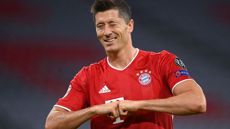 Robert Lewandowski scored twice and made two goals in Bayern's thumping win