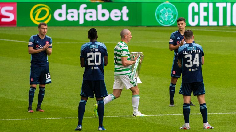 Celtic were given a guard of honour by Hamilton during the Scottish Premiership match