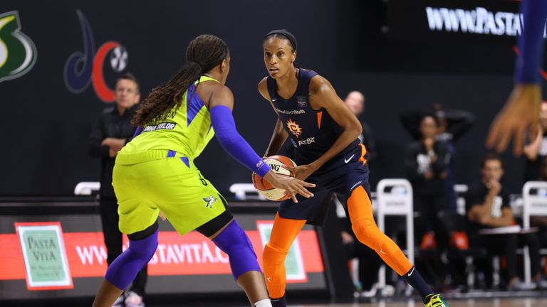 DeWanna Bonner #24 of the Connecticut Sun handles the ball against the Dallas Wings on August 6, 2020 at Feld Entertainment Center in Palmetto, Florida
