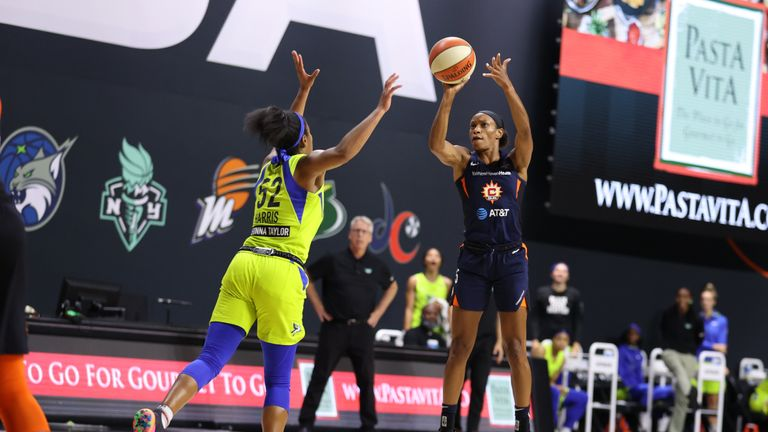 Jasmine Thomas #5 of the Connecticut Sun shoots the ball against the Dallas Wings on August 12, 2020 at Feld Entertainment Center in Palmetto, Florida.