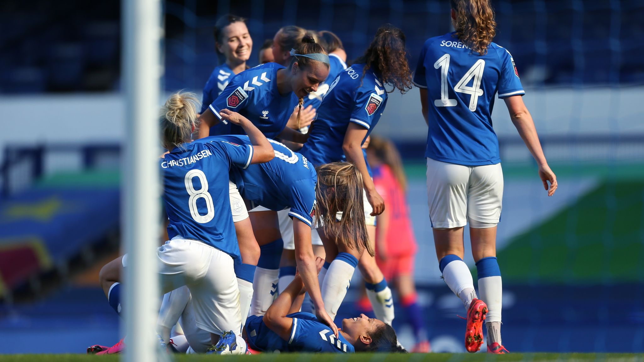 Everton Women Boss Willie Kirk Says Carlo Ancelotti Congratulatory Message After Fa Cup Win Shows Family Feel Football News Sky Sports