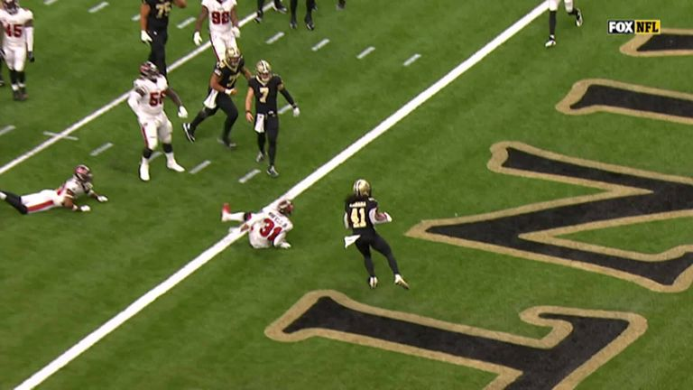 Alvin Kamara runs in for his second touchdown in quick succession for the Saints
