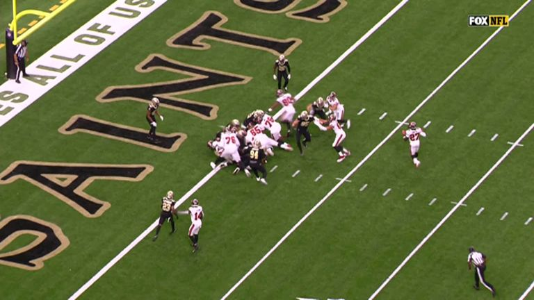 Watch as Tom Brady claimed his first touchdown as a Buccaneer, running it in from two yards out