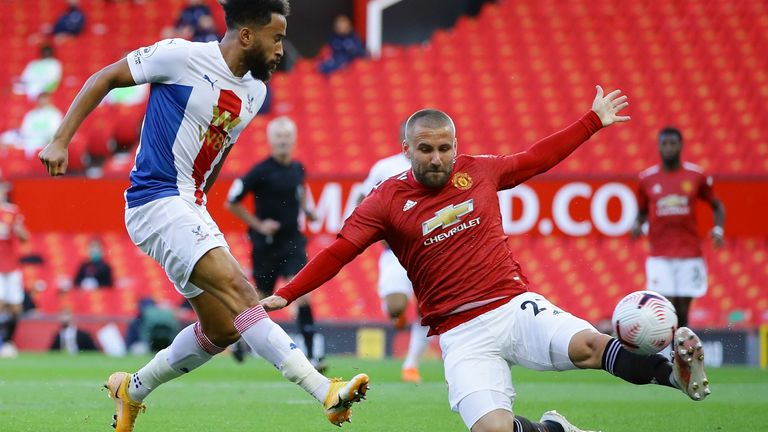 Andros Townsend gives Crystal Palace an early lead at Old Trafford