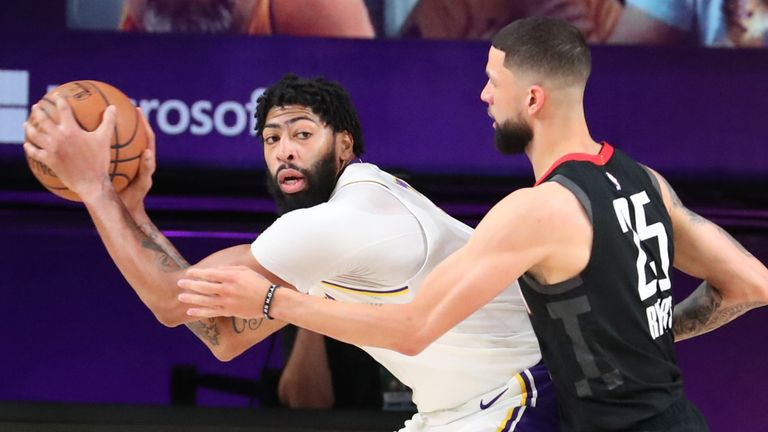 Anthony Davis is guarded by Austin Rivers during Game 5